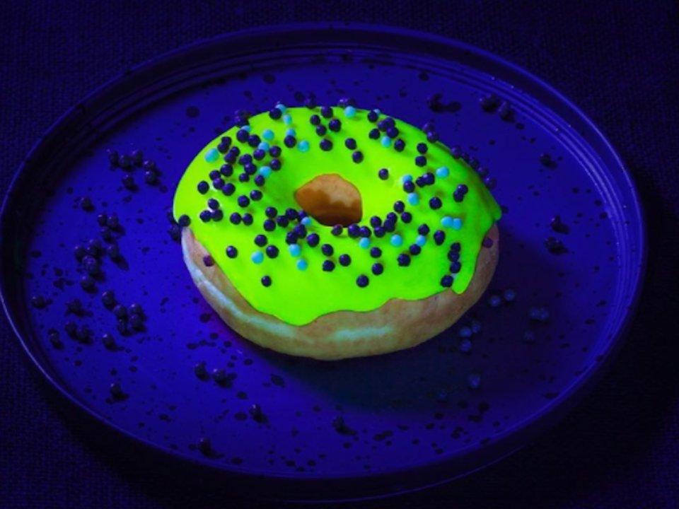 Glonuts AKA Glow In The Dark Donuts & More Incredible Links