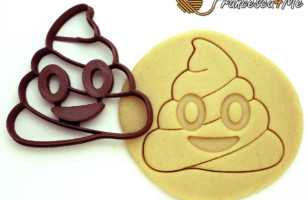 This Poop Emoji Cookie Cutter Makes Poop Shaped Cookies