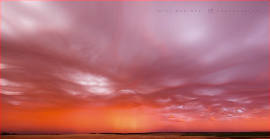 You Have Got To See This Rare And Insanely Beautiful Sunset