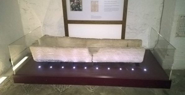 800 Year Old Coffin Breaks When A Visitor Tries To Put A Kid Inside It