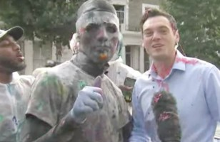 Notting Hill Carnival Left Sky News Presenters In Shocked By Covered Him In Colorful Paint