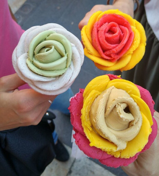 Rose-Shaped Ice Cream That Prove Edible Bouquets
