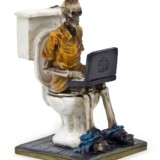 Laptop Workaholic Geek Toilet Skeleton Statue