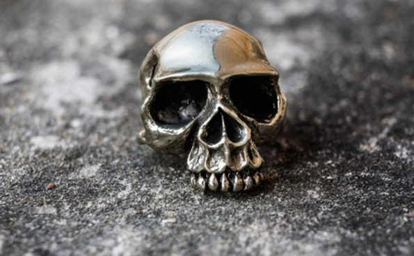 The Stuff of Legends : The Skull Rings