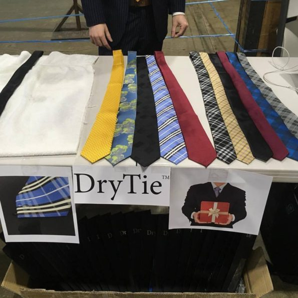 The Dry Tie: Tie That Don't Get Wet