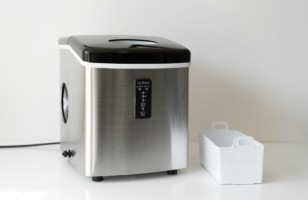 What You Need to Know Before Buying a New Ice Maker