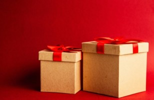 5 Essential Tips for Shopping Christmas Gift Hampers Online