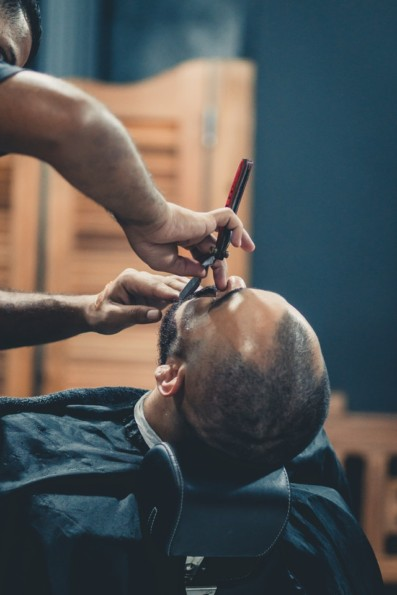 The stages of the FUE hair transplant