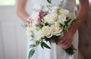 How to Do Wedding Flowers on a Budget
