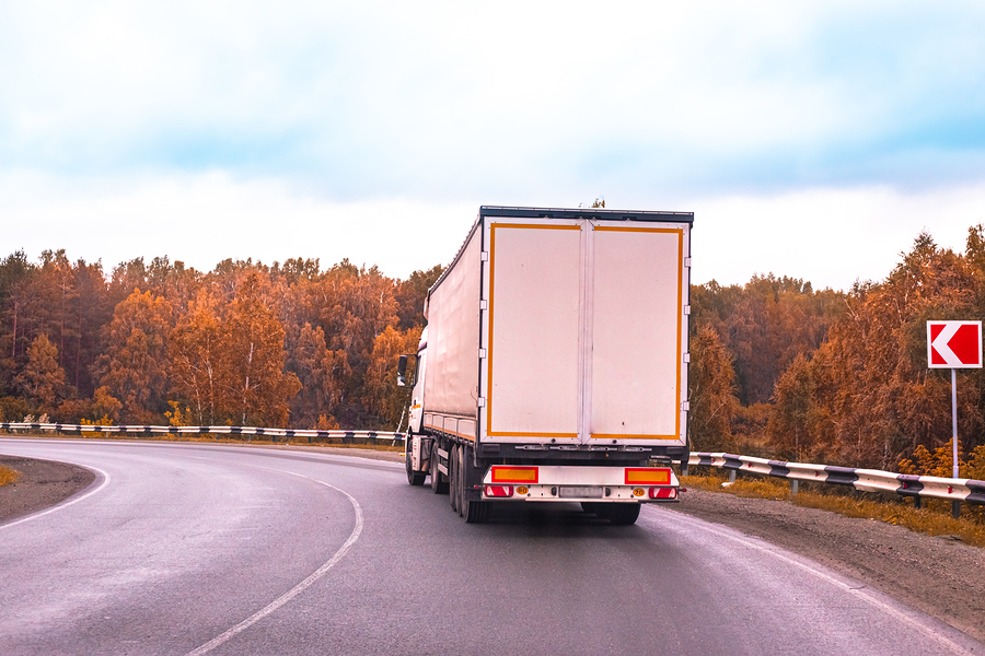 What to Do if Your Commercial Truck Gets Broken Down on the Highway