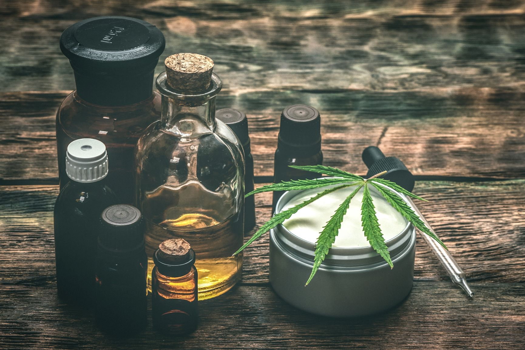 6 Unique Presents You Can Give CBD Users