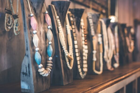 Handmade Jewelry: Fantastic Things to Know About Its Types and Techniques