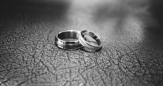 Is Online Divorce Better Than Hiring an Attorney?