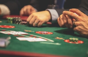 Top 5 Books for Blackjack Enthusiasts