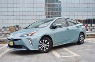 Reasons why you should not buy a hybrid car