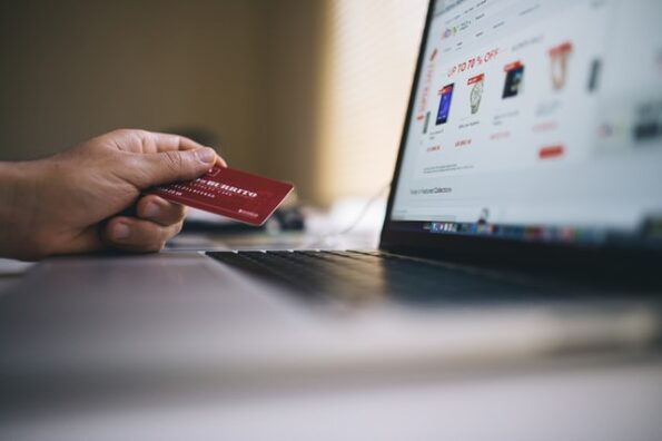 Your Guide to Opening an Online Clothing Store