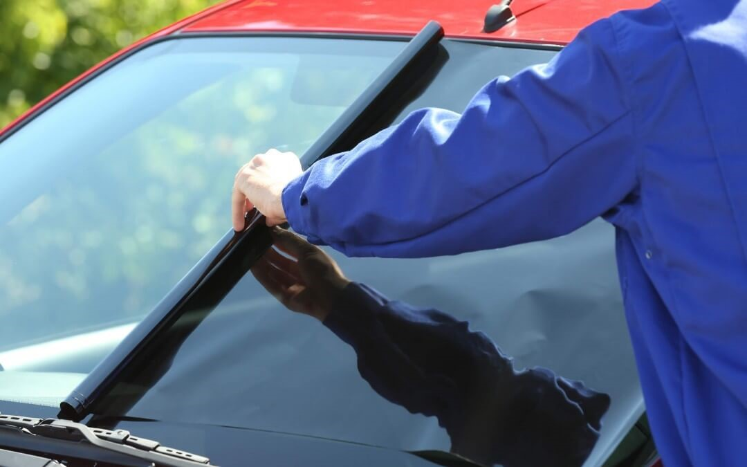 Which are the benefits of using Window Tinting Services?