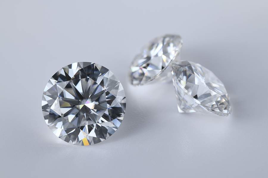 Diamonds – The Four C's Explained : Carat, Clarity, Colour & Cut
