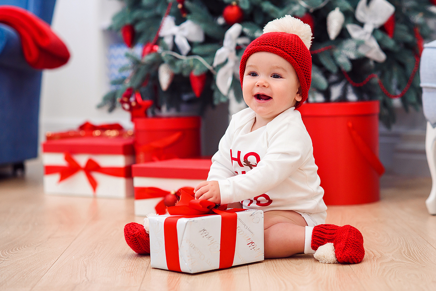 6 Great Ways to Celebrate Your Baby's First Christmas