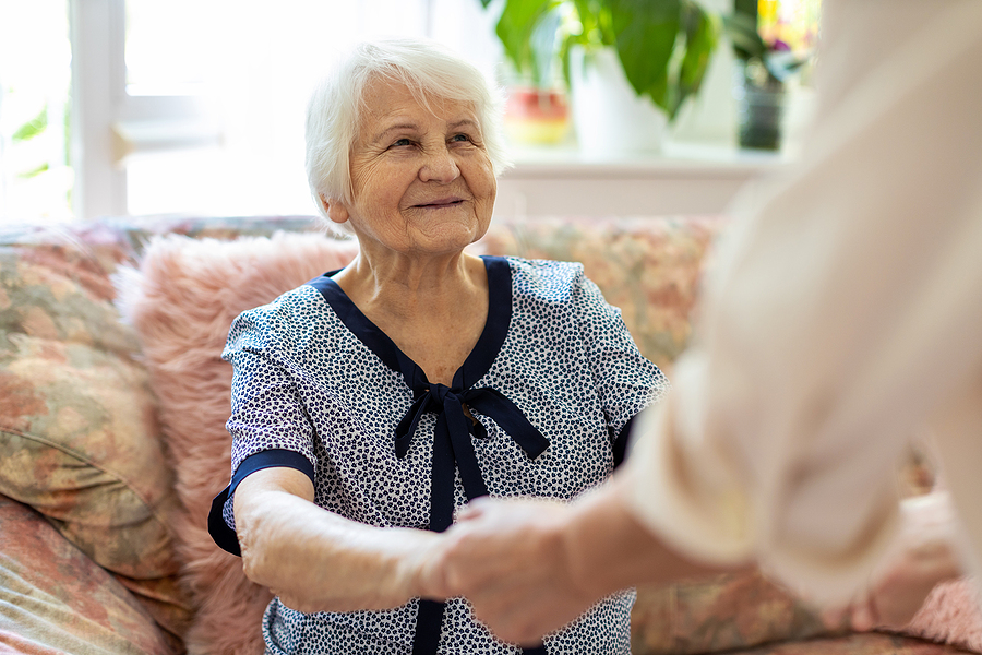 6 Effective Tips That Will Help You Take Care of Seniors At Home