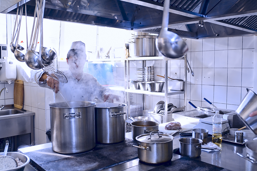 How to Start a Catering Business by Renting a Commercial Kitchen