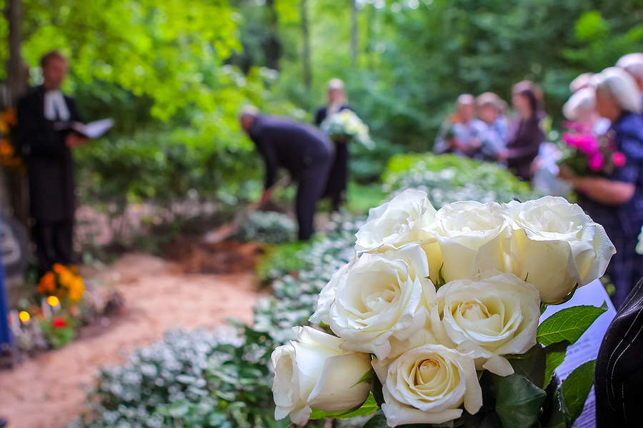 How to Design a Funeral Program to Honor a Loved One