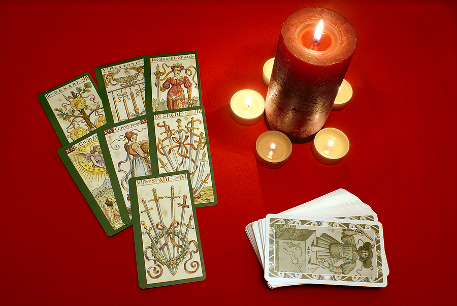 Psychics and Tarot Reading: What You Need to Know