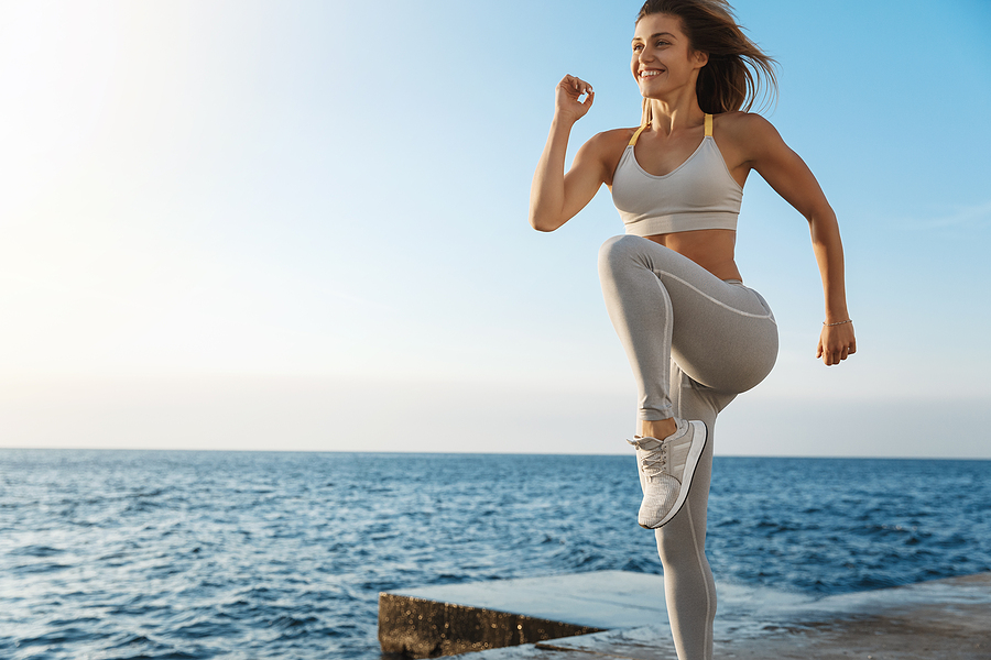 8 Effective Exercises For A Bodyweight Workout You Can Do Anywhere