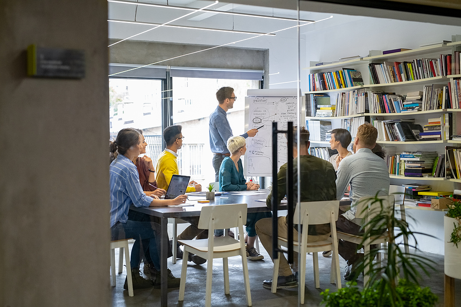 How to Take An Online Business Into the Office Environment