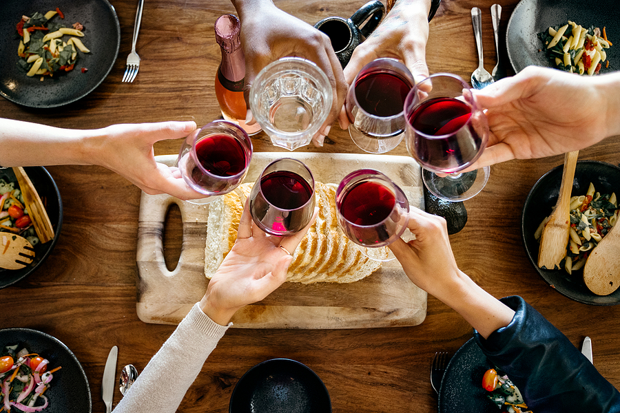 4 Party Ideas For Adults To Enjoy Their Time With Good Company