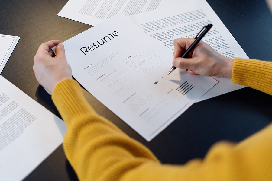 How Much Should You Be Spending on Resume Writing Services