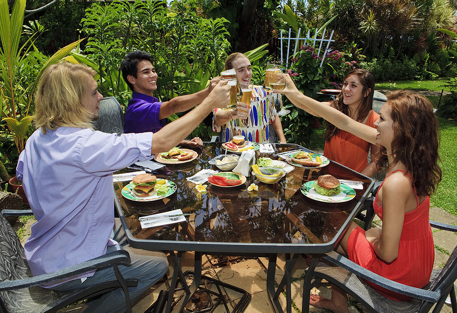 8 occasions for your backyard bash