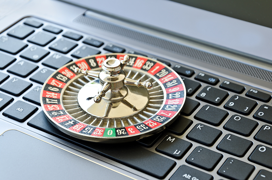 7 Incredible Tools for Embedding a Twitter Feed on a Casino Website