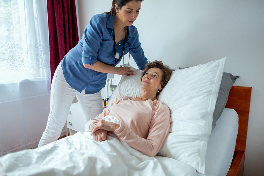 The 4 Major Benefits of an Adjustable Healthcare Bed