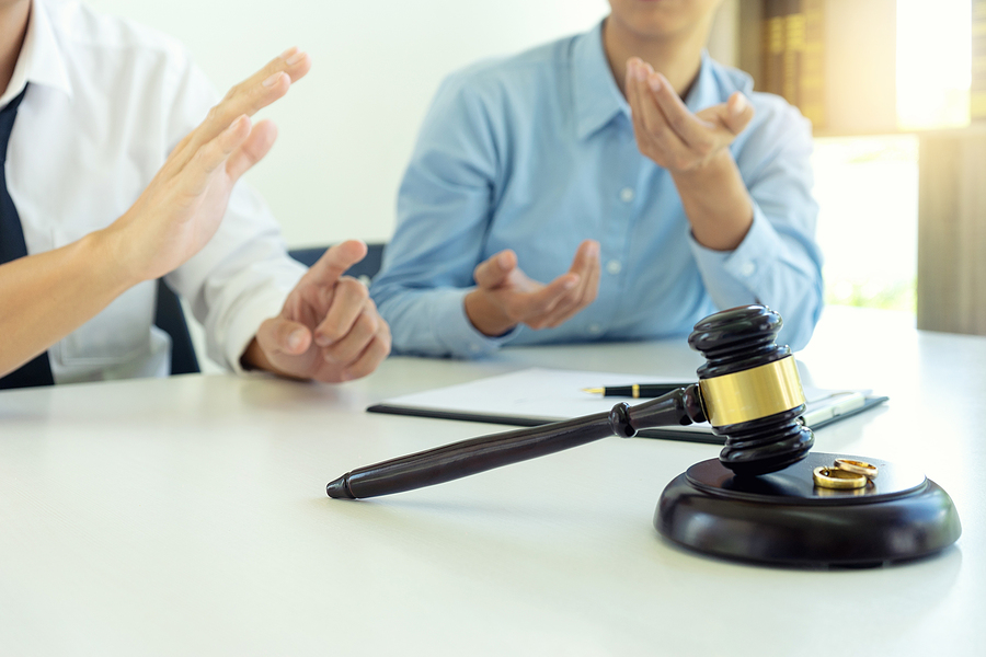 Know the benefits of hiring lawyer for contested divorce in Singapore