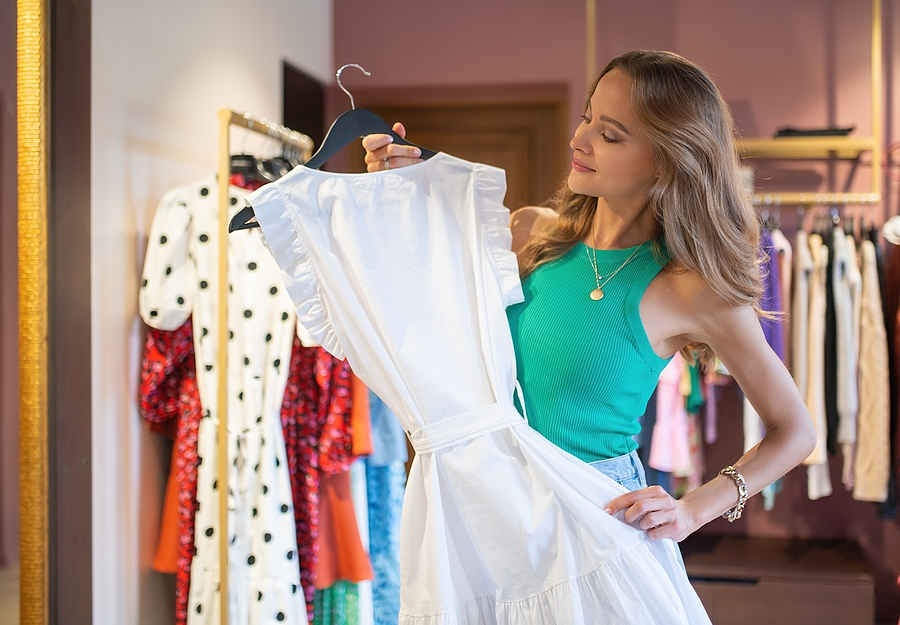 4 Essential Factors to Consider When Buying a Dress