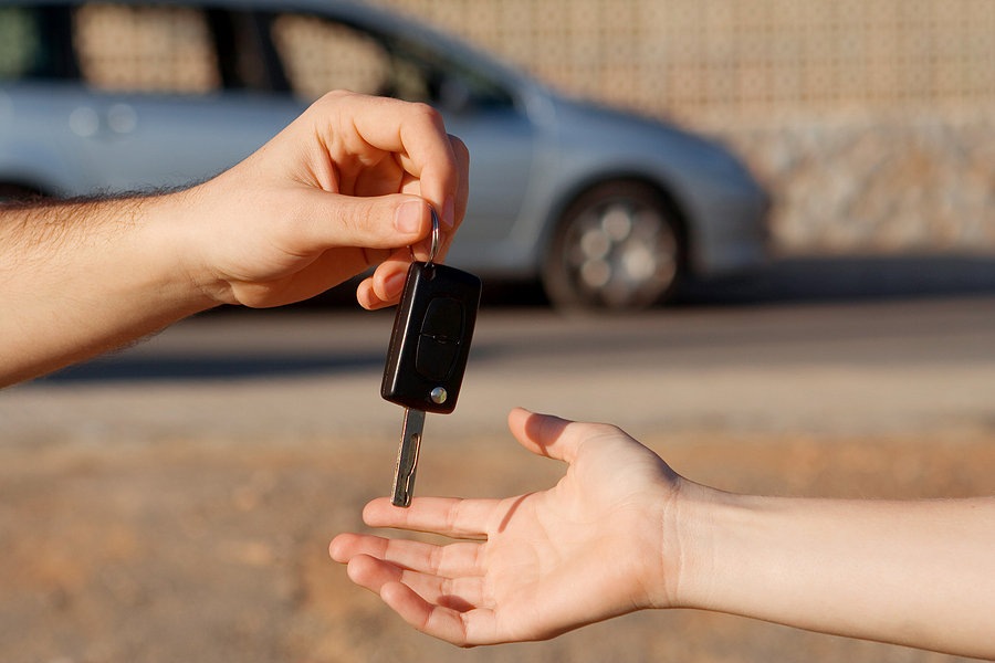 Is It Wise To Buy A New Car While Travelling Other Countries?