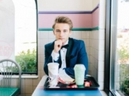 One Classy Teenager Took His Senior Photos At Taco Bell