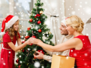 How Much Does it Cost to Decorate a House for the Christmas Holidays